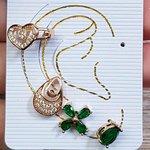 Kit De Brincos e Piercing Fake Zircônia Dourado Verde