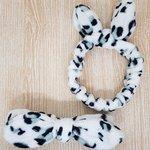 Faixa De Pelúcia Para Maquiagem Animal Print Branco e Cinza