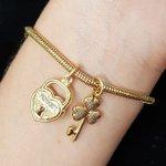 Pulseira Folheada Dourada Pandora Chave e Cadeado