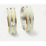 Aliança Prata Diamantada 7mm Com Coração e Com Filete Banhado Ouro (par)