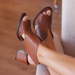 Sandália feminina caramelo
