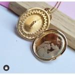Gargantilhas Relicário com Zirconias Banhada a Ouro