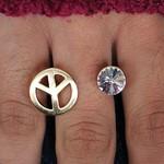 Anel Regulável Simbolo da Paz Dourado