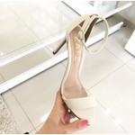 Sandália Feminina Modelo Gisele Zatz Salto Fino Bico De Folha Branco