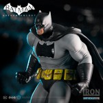 Batman: Arkham Knight - Dark Knight Returns DLC Series - 1/10 ArtScale - Iron Studios