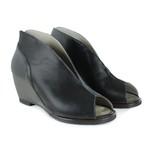 Sandália em Couro Susan Preta J.Gean