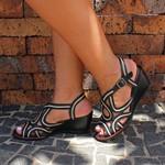 Sandália Susan Alta Em Couro Preta J.Gean