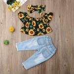 Ciganinha girassol e calça jeans rasgada
