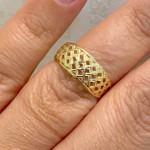 Anel de Ouro 18K Pequenos Detalhes Vazados