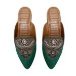 Mule Comfort Bico Fino Com Aplicação Verde Bandeira - Salto 1,5 Cm