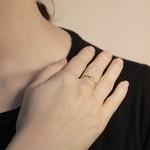Anel Triângulo Ajustável Semijoia Banho de Ouro 18K Cravação de Zircônia