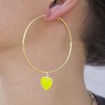 Brinco Argola Banho de Ouro 18k Coração Verde Neon