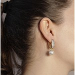 Brinco Argola Semijoia Banho de Ouro 18k com Cravação de Zircônias e Pérola Shell Branca com detalhe em Ródio