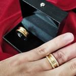 Par de Aliança de Moeda 10mm com zircônias modelo Luxo