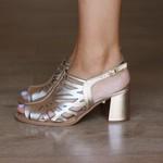 Sandália Salto Grosso Confortável Ouro