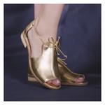 Sandália Salto Baixo Freedom com Calcanhar Fechado Ouro- 842-07