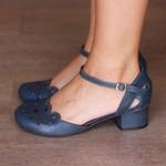 Sapato Boneca Salto Grosso Couro Azul Marinho