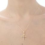 Pingente de cruz em ouro amarelo 18k com cristo em ouro branco 18k