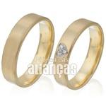 Alianças de Ouro com Coração de Diamantes