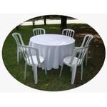 Locação - Kit Mesa Madeira e 6 Cadeiras Plastico