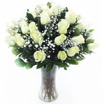Encanto De Rosas Brancas No Vaso De Vidro