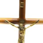 Crucifixo Mesa - Madeira Cilíndrica São Bento 26 cm