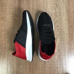 New Balance Roav - Preto e Vermelho