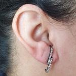 Brinco Ear Hook Semi Joia Isabela Ródio Negro
