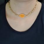 Colar Elos Dourado Búzios Esmaltado Laranja