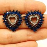 Brinco Semi Joia Ródio Negro Coração Azul