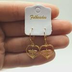 Mini Argola Folheada Dourada Coração Com Pomba Da Paz
