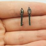 Brinco Ear Hook Gota Grafite Verde