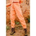 Calça baggy alcance jeans com cinto laranja