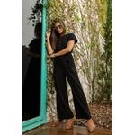 Macacão preto alcance jeans