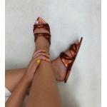 Rasteira bico folha metalizada Donna Clô
