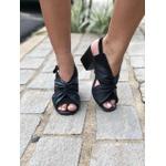 Sandália couro preto Donna Clô