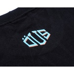 Camiseta ÖUS Triangular Preto