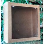 Caixa kraft com detalhe na tampa transparente