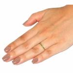Meia Aliança De Ouro 18k Com 8 Esmeraldas De 1 Ponto