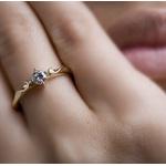 Anel De Ouro 18k Solitário Queen Com Diamante De 15 Pontos