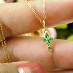 Pingente De Ouro 18k Cruz Com Zircônias Verdes