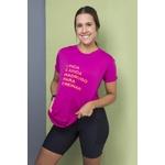Camiseta Feminina Funfit - Linda e ainda madrugo pra treinar crepe rosa
