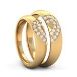 Aliança em Ouro Amarelo Coração Cravejado com Diamantes Love
