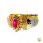 Anel de Formatura em Ouro 18 k com Diamantes e Pedra Navete