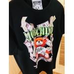 Camiseta Moschino (chinesa)
