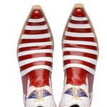 Bota Country Texana Masculina Bico Fino Casco de Tatu Couro Verniz Vermelho e Branco
