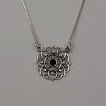 Gargantilha Flor em Prata