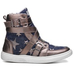 Tênis Sneaker Rock Fit The Clash Bronze e Jeans