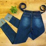 Calça Jeans Com Detalhe Na Barra  dobrada e Zíper  (melinda)