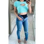 Calça Jeans Melinda com Cinta Modeladora e Rasgo No Joelho  - Cor Médio/claro